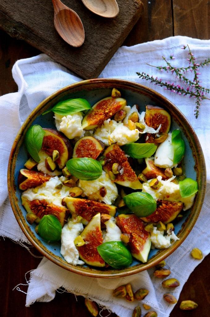 Lækker salat med mozzarella   www.juliekarla.dk