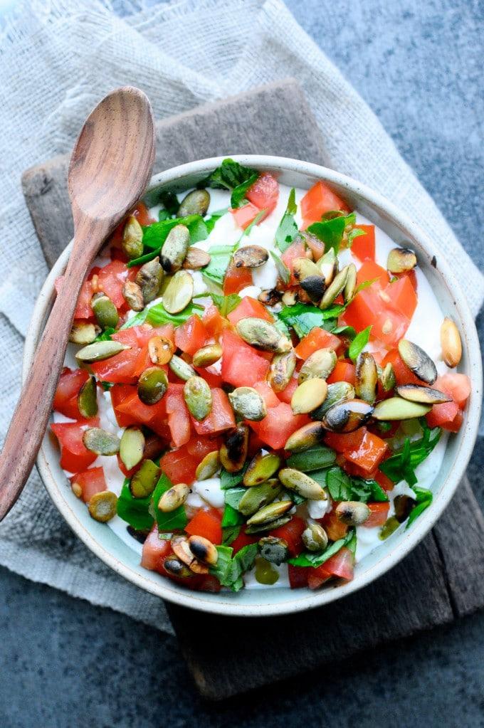 Hytteost snack med tomat | www.juliekarla.dk