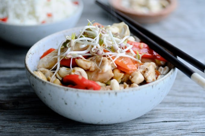 Thailandsk Wok med kylling og cashewnødder| www.juliekarla.dk