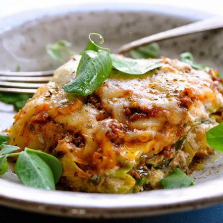 Mangler du aftensmad ideer - Lasagne med spidskåls-plader